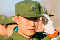 男乒马琳阳刚写真 参加军训标兵风范